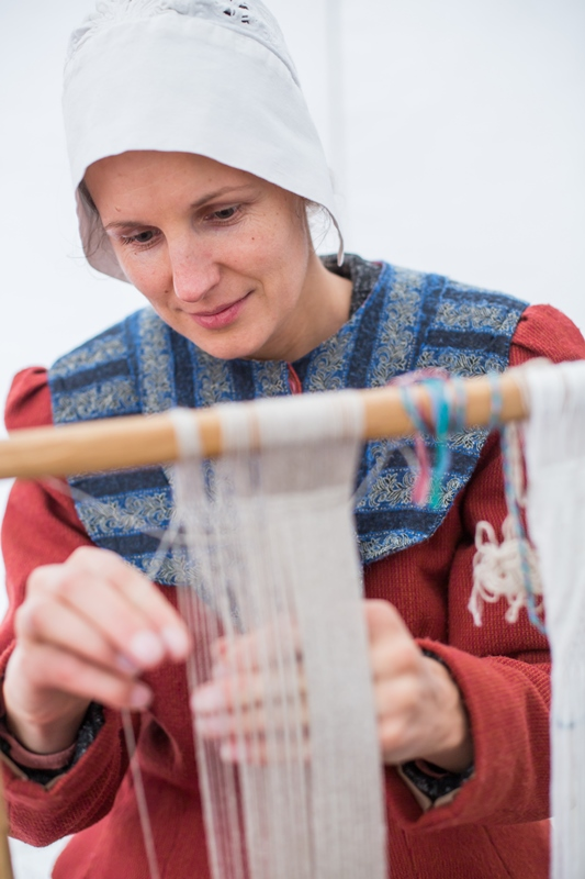 Artist Rasma Noreikyte at Open-ait museum Learning ethnographic diversity with lullabies and weaving